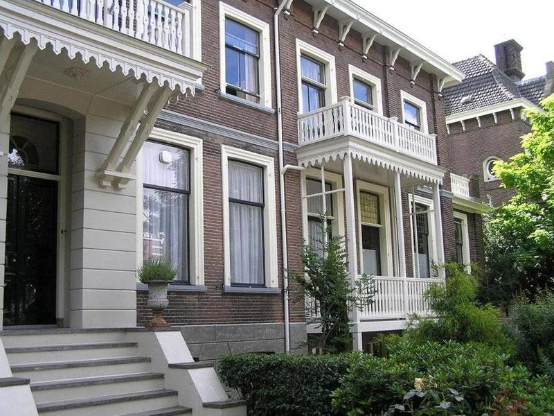 Van Gelder Hout Maatwerk Houten Balkon en Deuren op Maat