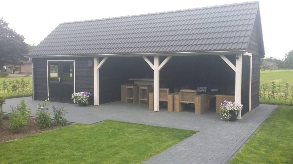 Garage Met Overkapping : Maatwerk overkapping met schuur zadeldak puntdak houthandel