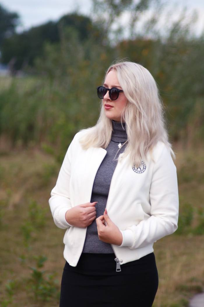 Outfit - Black Sunnies