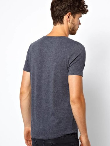 T-shirt with deep collar