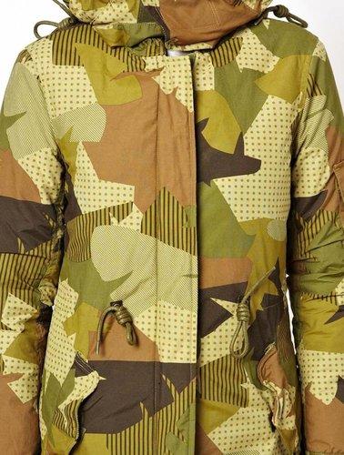 Parka met camouflage print