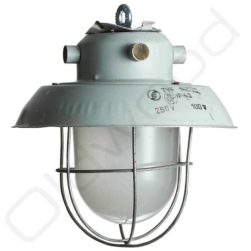 Lampen Industriële lampen - glas en korfje