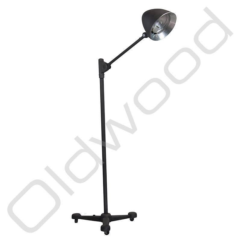 Vintage lamp op rolstatief