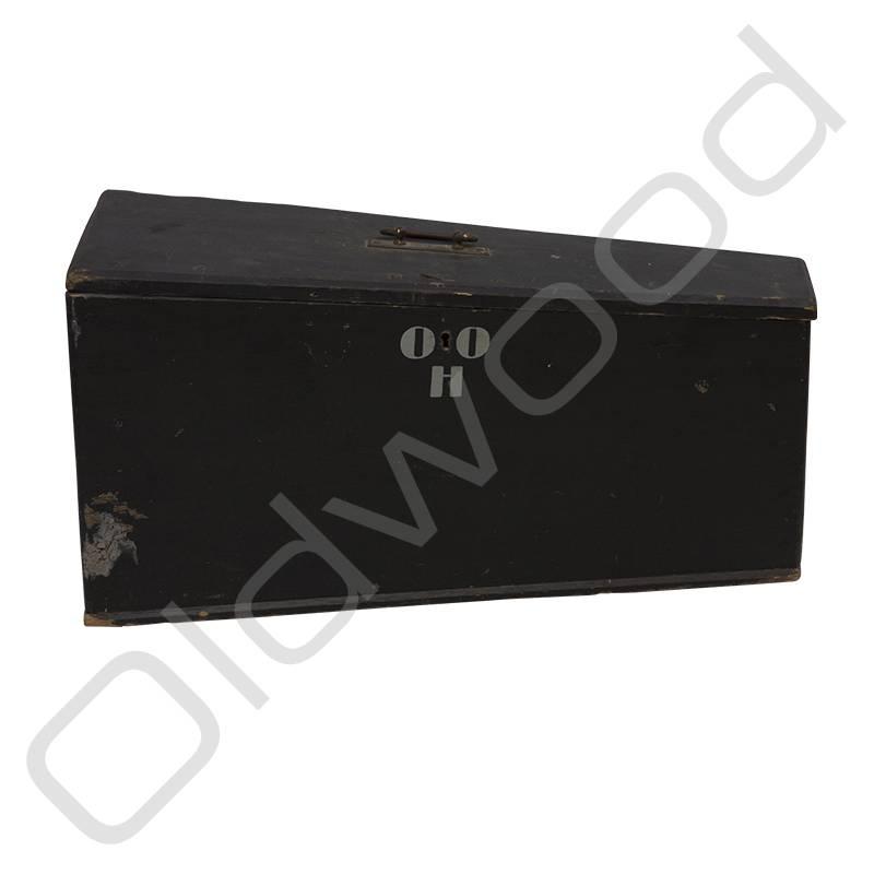 Schuine zwarte kist