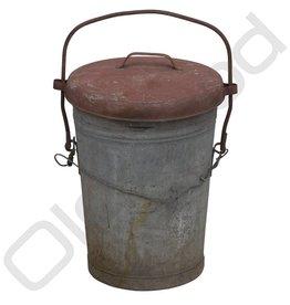 Ruige metalen afvalbak