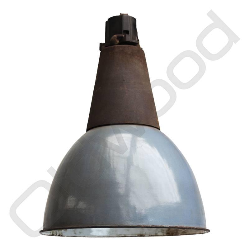 Industriële lamp met gietijzeren kop