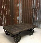 Industrieel meubel trolley op wielen, industriele salontafel