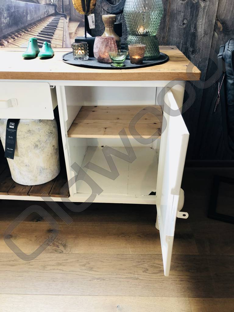 complete industriele meubels wit