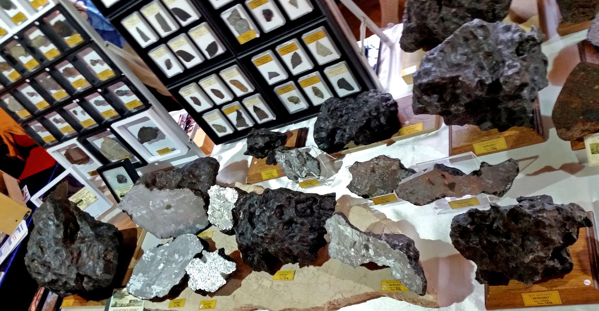 Tafels vol meteorieten