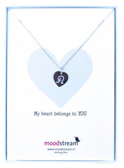 Cadeaudoosje MY HEART BELONGS TO YOU  ketting met letterhanger, alle letters uit het alfabet