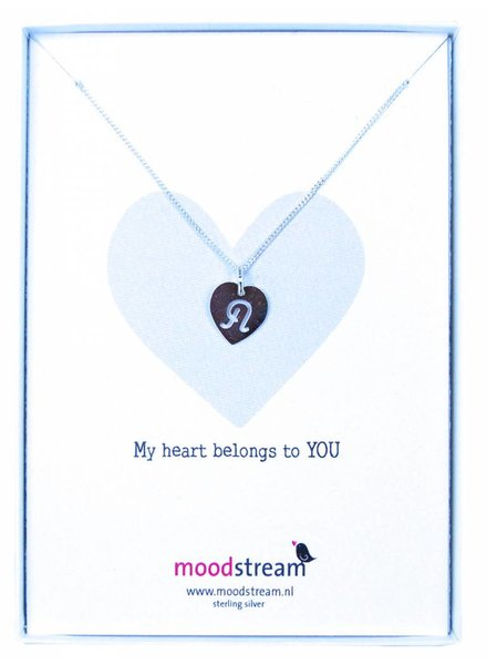Cadeaudoosje MY HEART BELONGS TO YOU  ketting met letterhanger