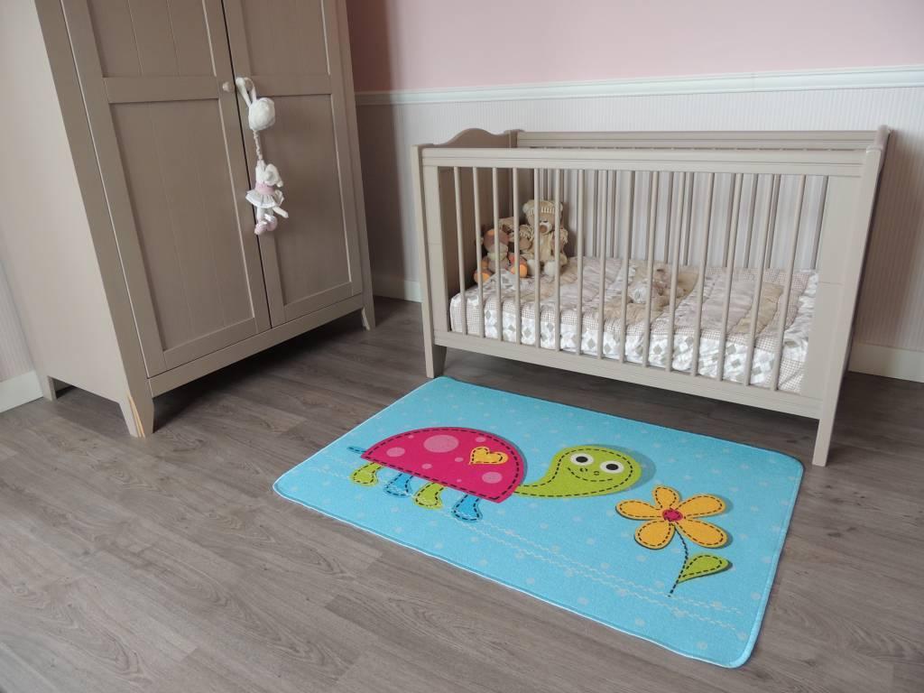Een tapijt babykamer, zacht en mooi