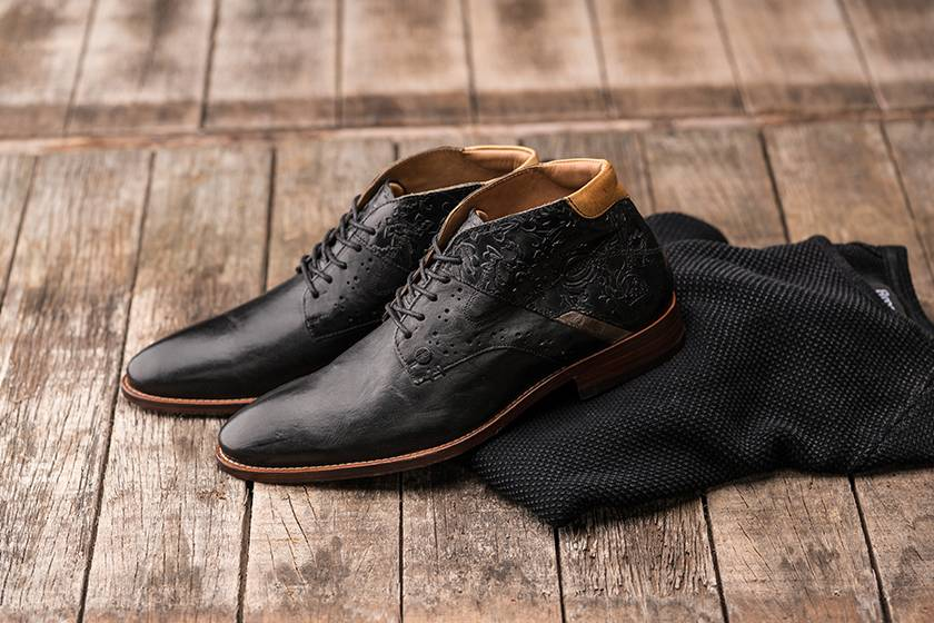 Black men's shoes: the ultimate classic