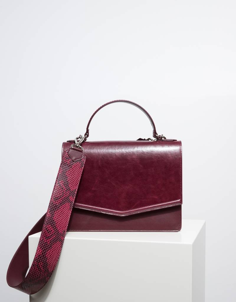 dc55f6be1e4f Fan handbag burgundy - EVI Europe
