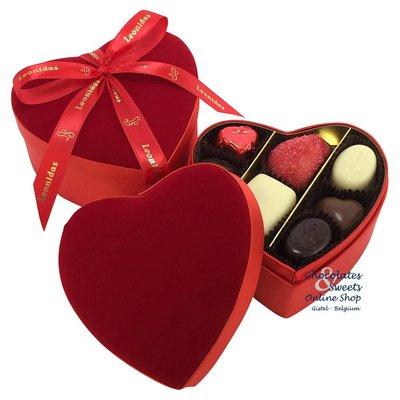Leonidas Cœur en velours avec 2 étages de chocolats