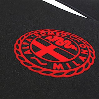 Alfa Romeo Spider Duetto 1966-1969 Floor mat setveloursblack - red Alfa Milano logo