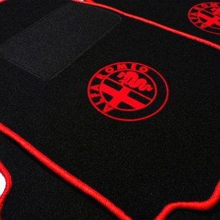Alfa Romeo 75 Floor mat set black-red logo + trim