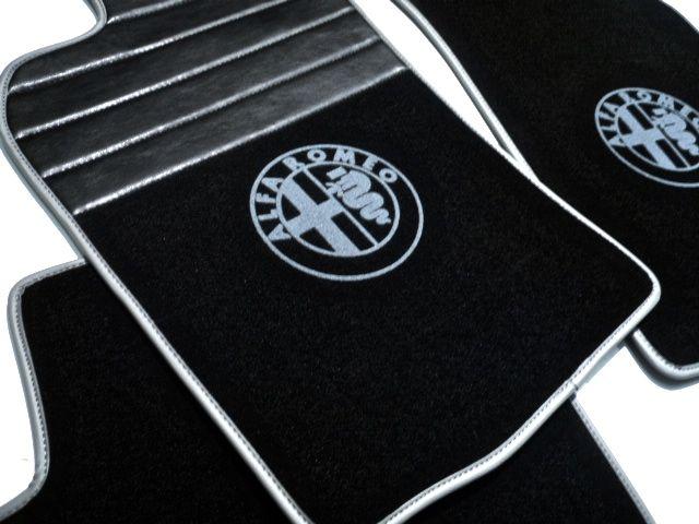 alfa romeo 147 tapis de sol premium velours noir logo contours gris automobilia nl. Black Bedroom Furniture Sets. Home Design Ideas