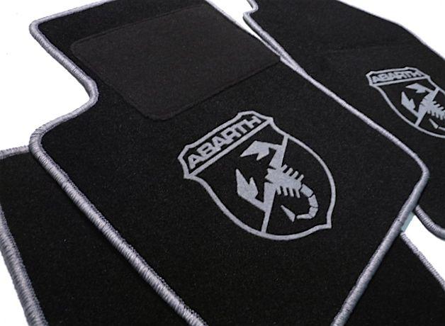 abarth fiat 500 2008 2014 tapis de sol velours noir logo abarth contours gris automobilia nl. Black Bedroom Furniture Sets. Home Design Ideas