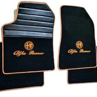 Alfa Romeo GTV + Spider 916 1995-2006 Tapis de sol premium velours noir - logo sigle + contours or