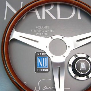 "Nardi ""Classic"" wood + polished spokes + visible screws 36 cms. steering wheel"