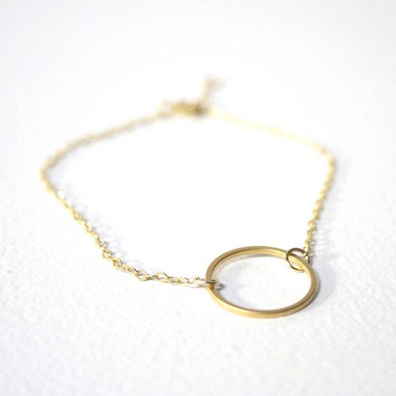 Gouden armband met gouden cirkel