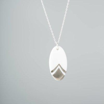 Zilveren ketting met ovale porseleinen hanger - zilver