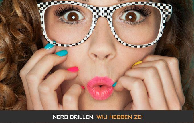 Een nerdbril aanschaffen om er beter uit te zien