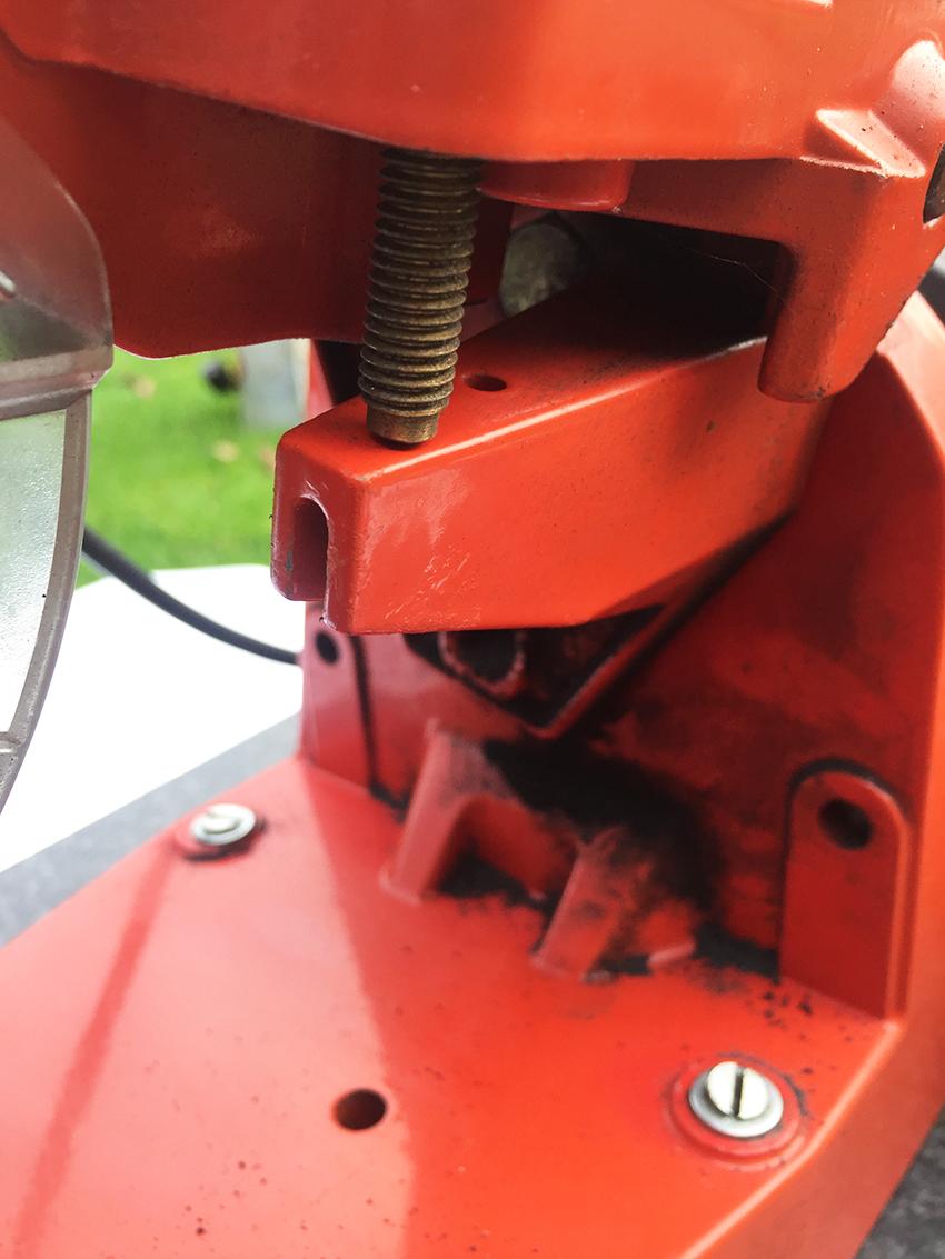 Elektrische kettingslijper instellen