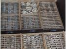 2540 Antike Uhrengläser für Uhren / Taschenuhren im Schrank