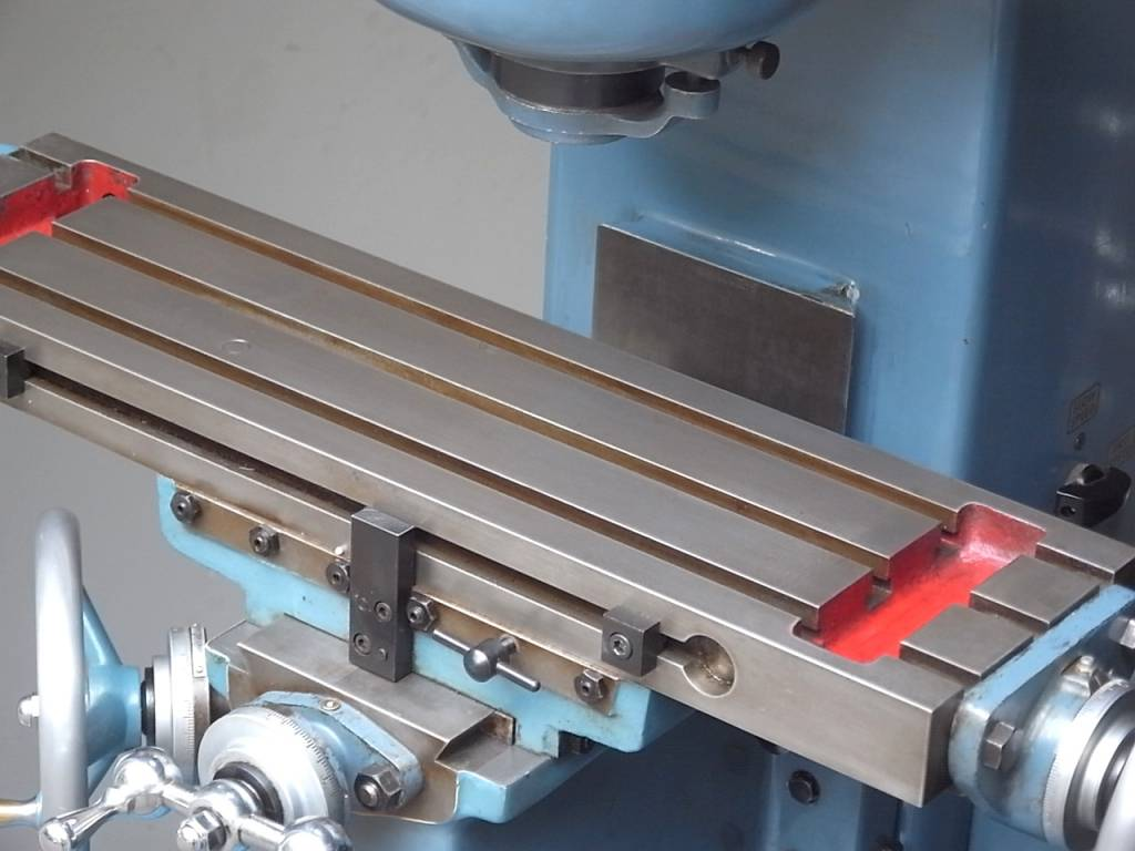 small vertical milling machine