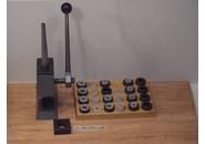Tool for enlarging and reducing wedding rings
