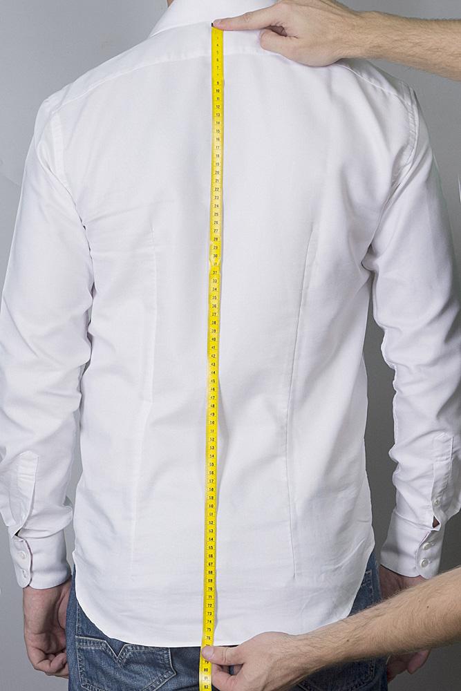 Lengte overhemd opmeten
