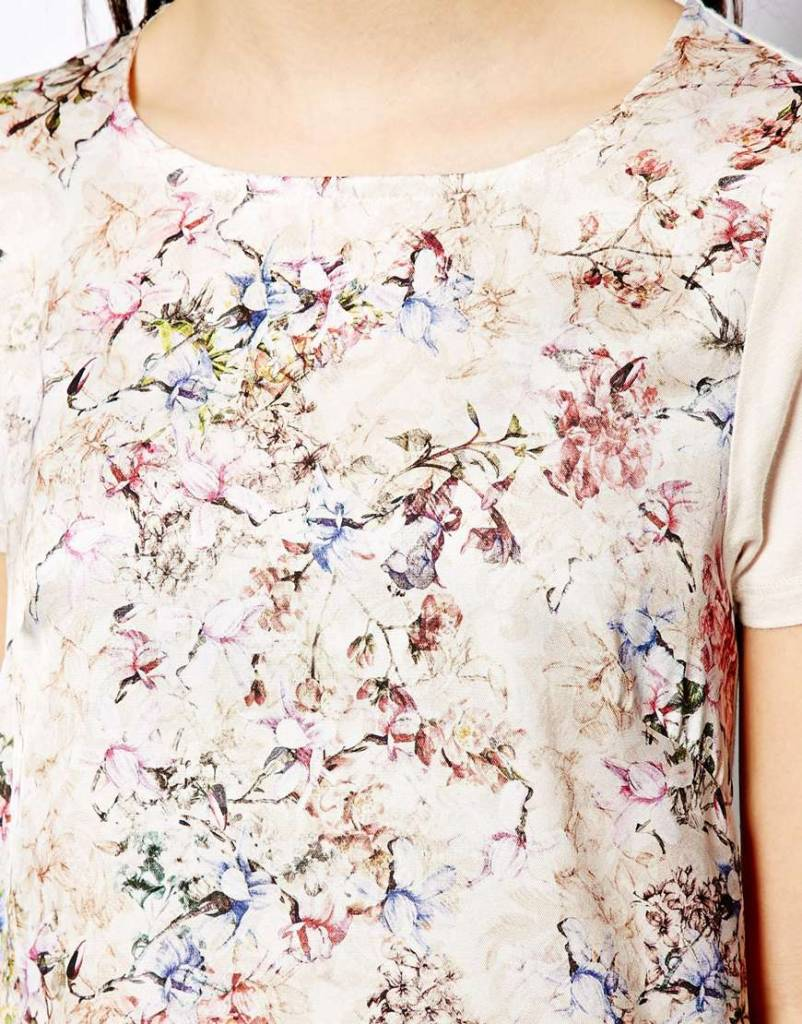 T-shirt with flower print