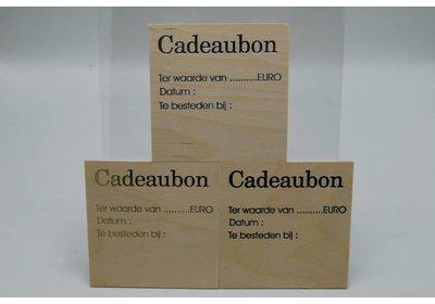 Kadobon hout 12 x 12 cm 12 stuks Tekst in goud / zilver of zwart