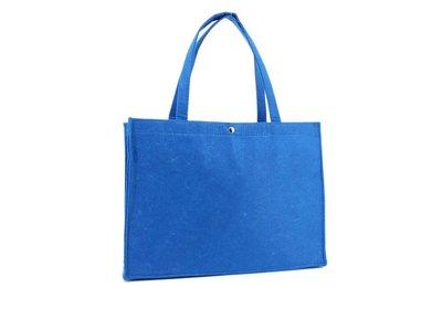 Vilt draagtas blauw