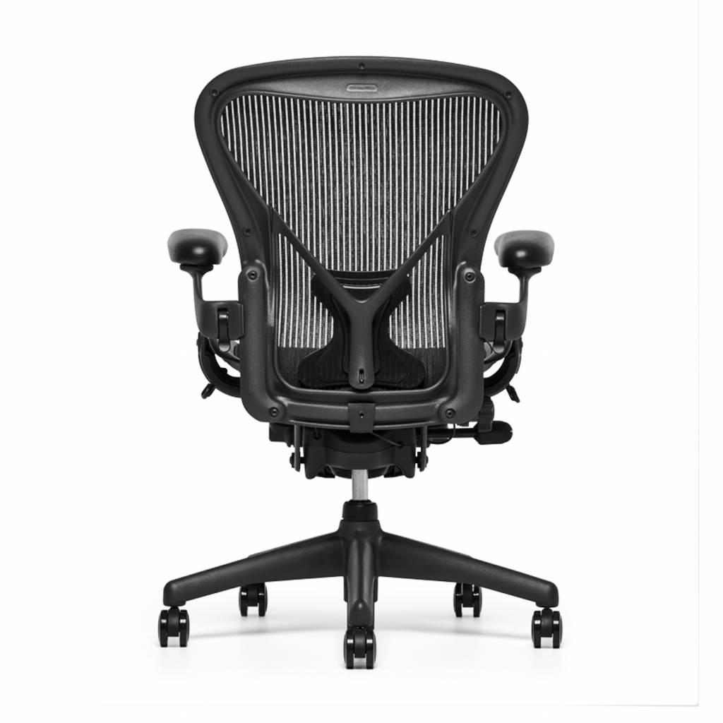 refurbished herman miller aeron chair graphite workbrands. Black Bedroom Furniture Sets. Home Design Ideas