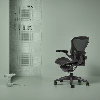 Herman Miller Refurbished Herman Miller Aeron | graphite