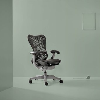 Herman Miller Refurbished Herman Miller Mirra | shadow grey