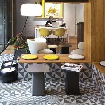 Vitra Vitra Metal Side Tables | Outdoor