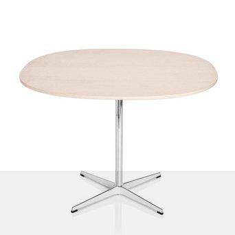Fritz Hansen Fritz Hansen Table Series | Supercircular | Kreuzfuß