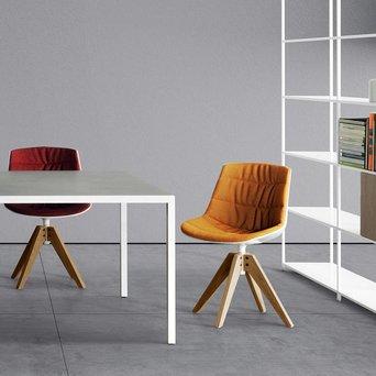 MDF Italia MDF Italia Flow Chair   Padded   VN four-legged oak