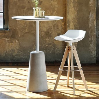 MDF Italia MDF Italia Flow Stool | VN four-legged oak