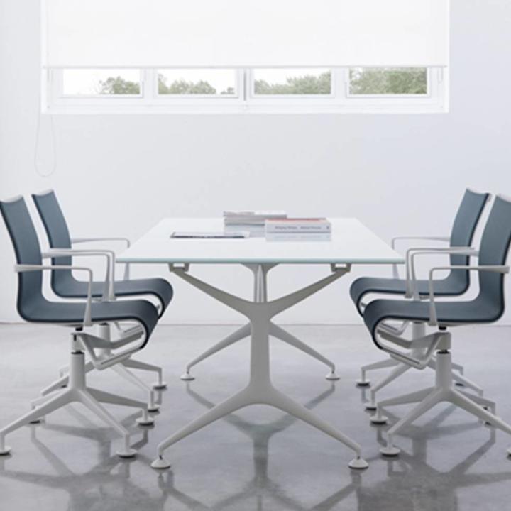 Alias 437 Meetingframe   Gepoedercoat frame