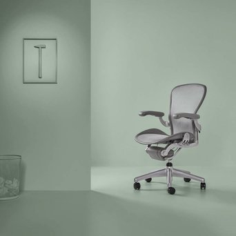 Herman Miller Refurbished Herman Miller Aeron B | Smoke / titanium