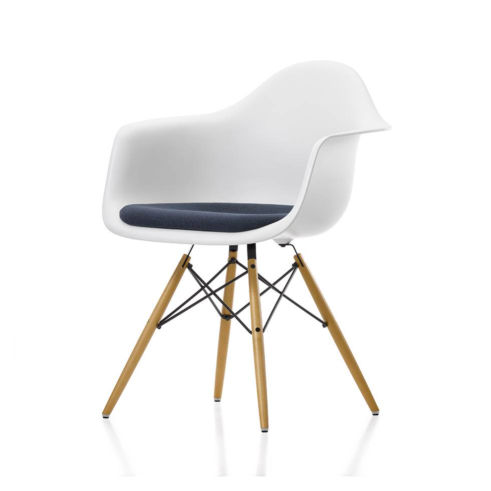 vitra vitra eames plastic armchair daw seat upholstery. Black Bedroom Furniture Sets. Home Design Ideas
