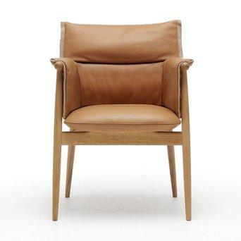 Carl Hansen & Son Carl Hansen & Son E005 | Embrace Chair