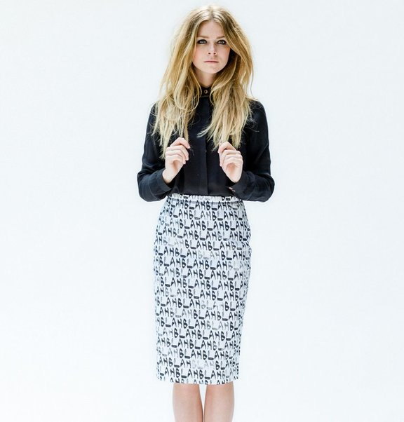 This is Lily Jersey pencil skirt with BLAH BLAH print