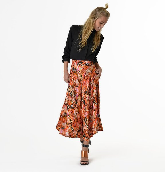 This is Lily Flared viscose midi skirt with lip print