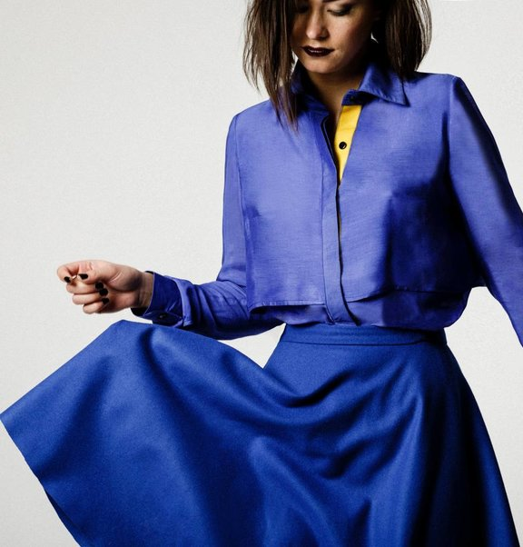 This is Lily Viscose-Silk Blouse Blue